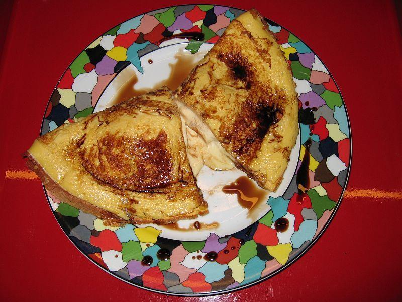 Oma le` ein Pfannkuchen mit Vanilleeis