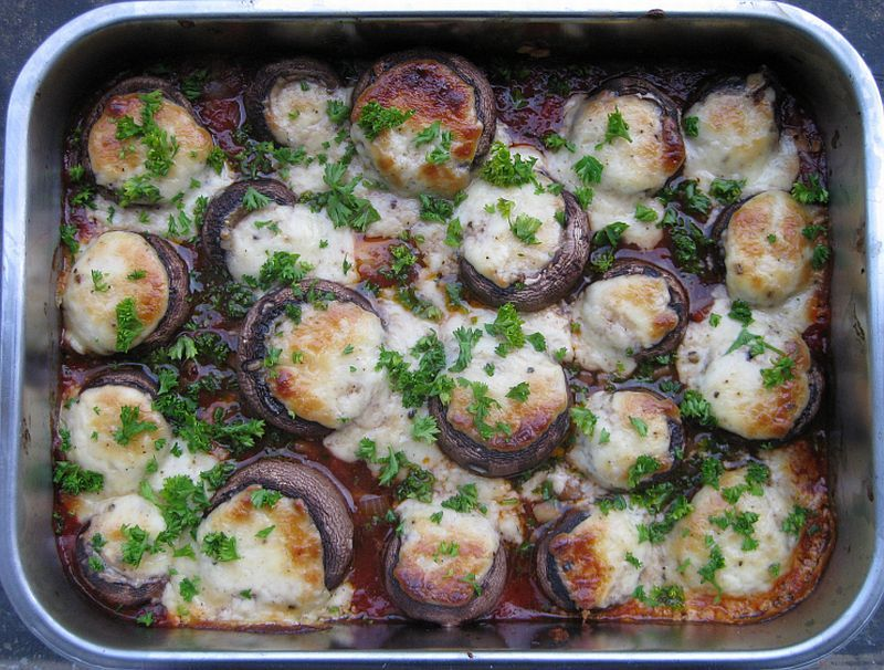 Champignons gefüllt mit Parmasan