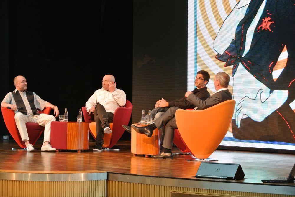 Talkrunde mit Künstlern auf der AIDAluna