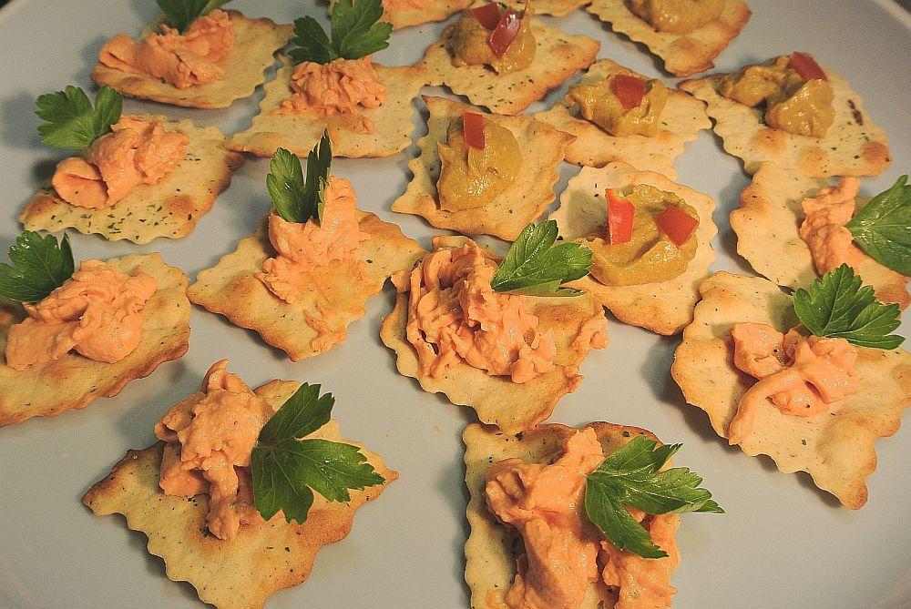 Italienische Cracker mit Avocado - Käsecreme