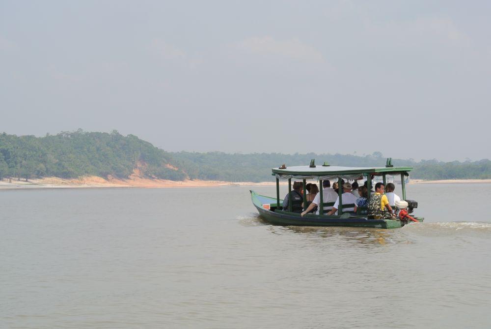 Taxi auf dem Rio Negro