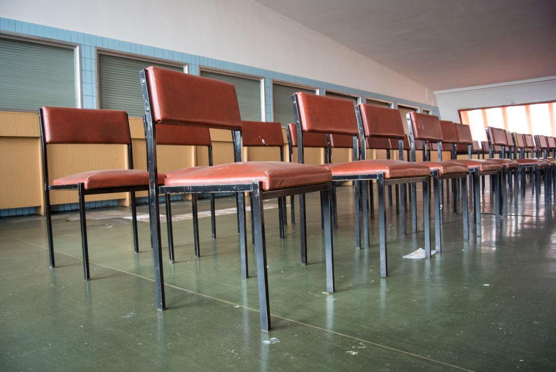 Stühle aufgestellt zu Appell