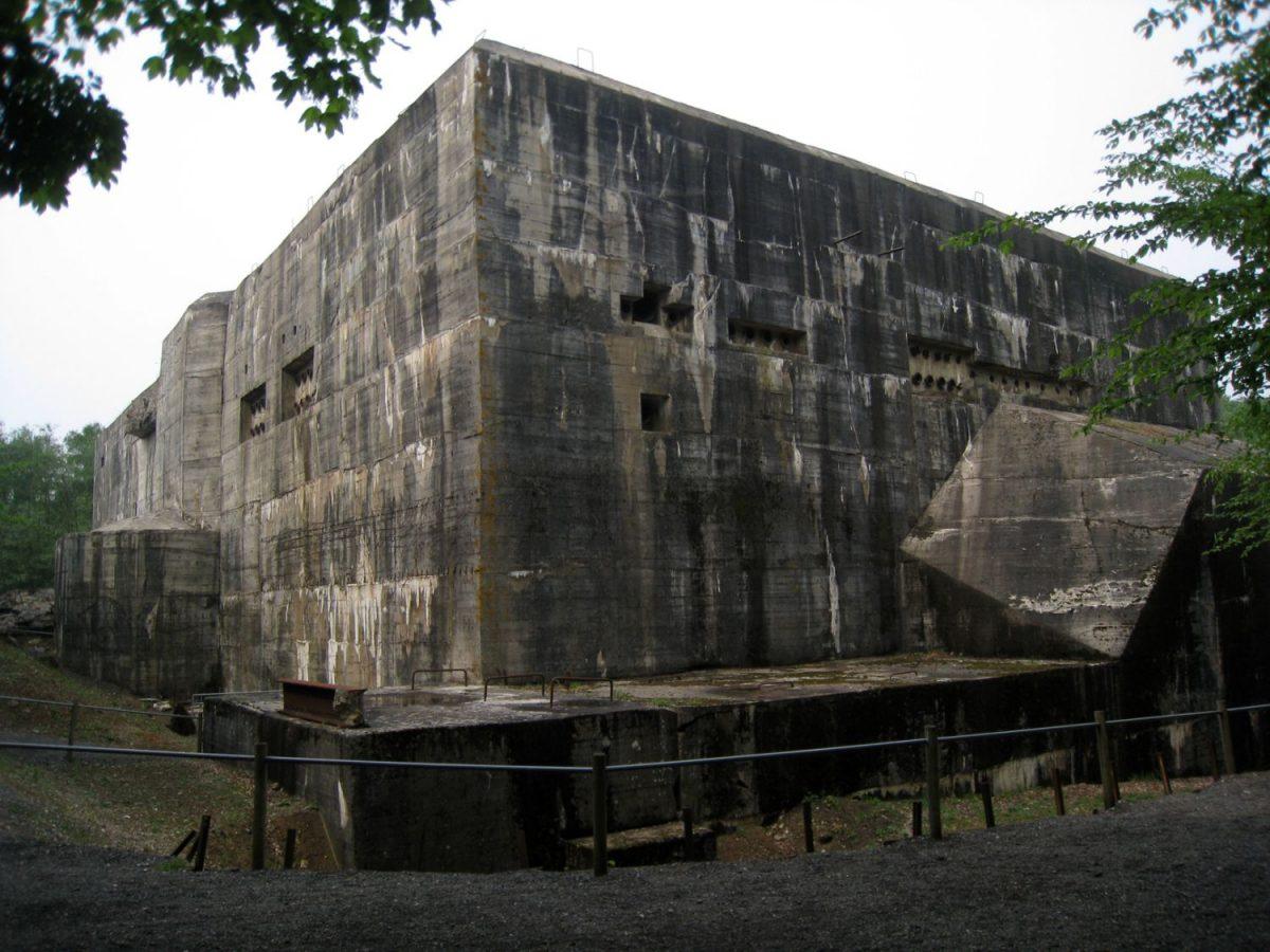 Prioryman Wikipedia - Blockhaus exterior southeast