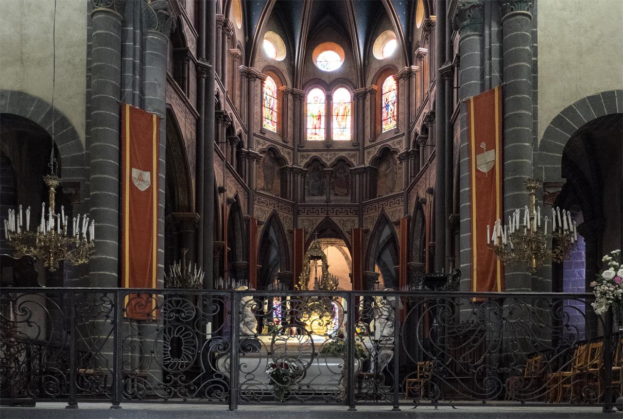 Riom Basilika Saint-Amable Altar Chor