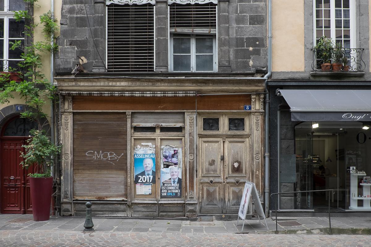 Rioms Geschäfte sind selten geöffnet und manche für immer geschlossen