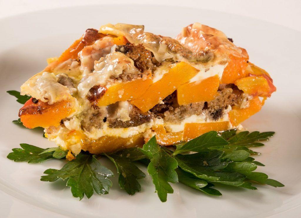 Kürbis-Brot-Auflauf mit Bergkäse