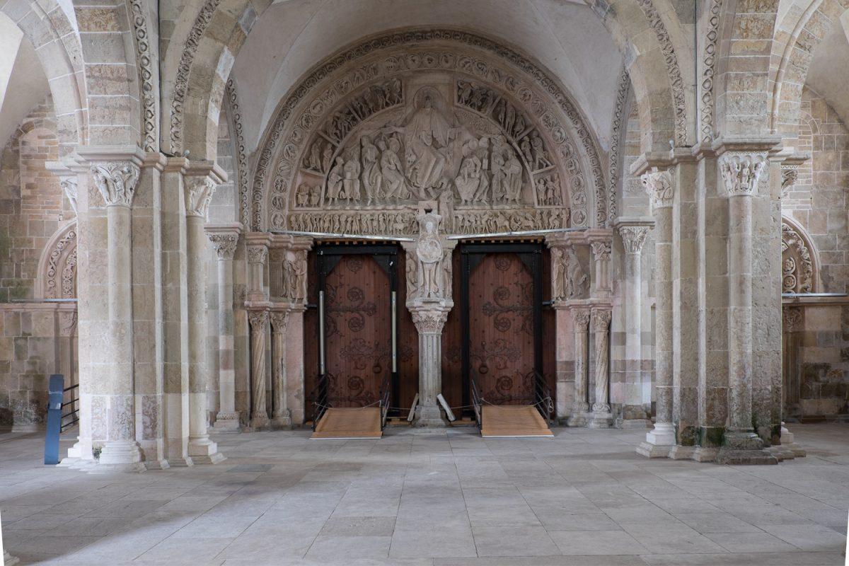 Ste-Marie-Madeleine Vézelay Vorkirche mit Portal