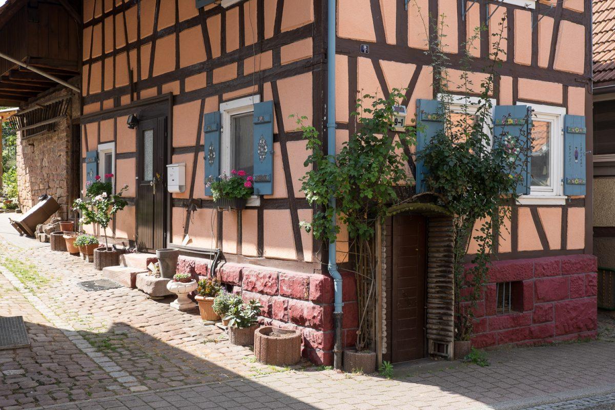 Idyllische Hausecke in Loffenau