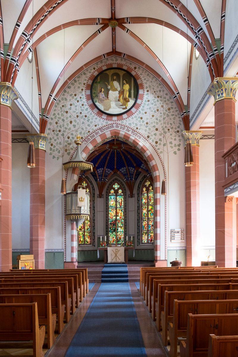 Loffenau Heilig Kreuz Kirche neugotisches Kirchenschiff